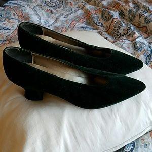 Nina forest green velvet shoes
